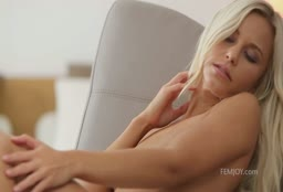 Compilation Of Beautiful Women Having Orgasms